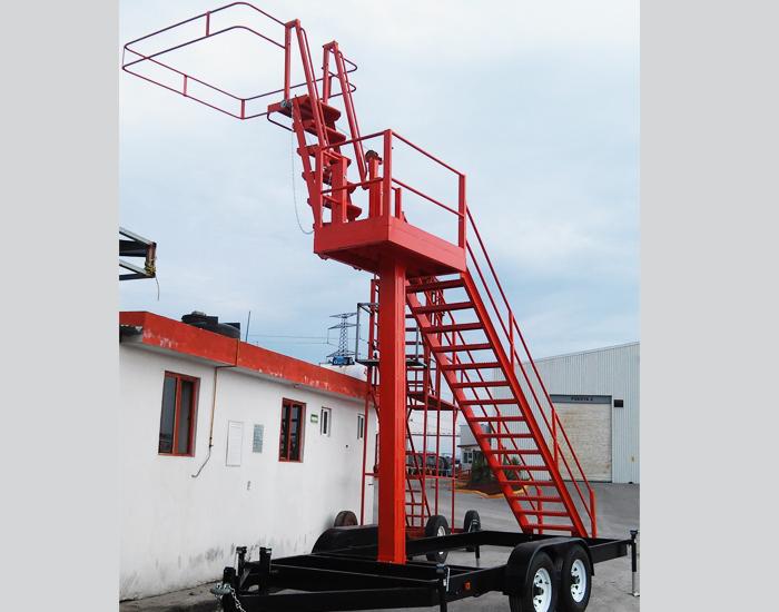 Ajustable a pipas de hasta 5 metros de altura, puede ser utilizado también en ferrocarriles