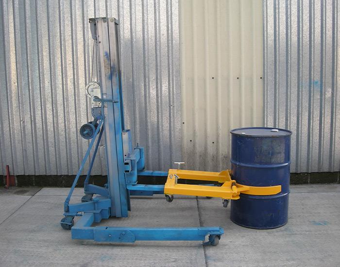 Cangrejo industrial amarillo en uso